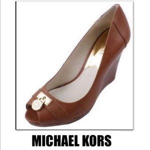 588f08881cd2 Women s Michael Kors Hamilton Pumps on Poshmark